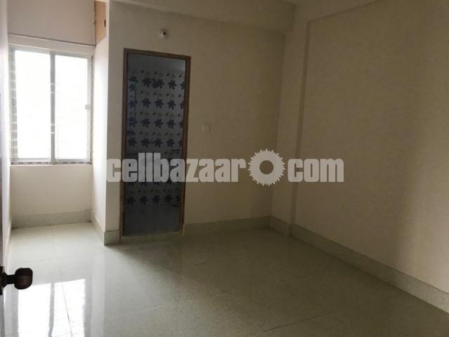 1290 Sqft Ready Flat Sale @ mirpur-8 - 3/5