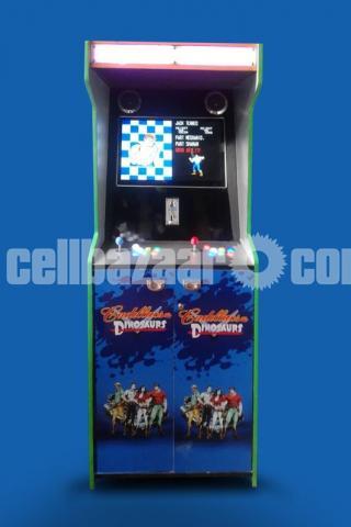 Classical Arcade Video Game - 4/5