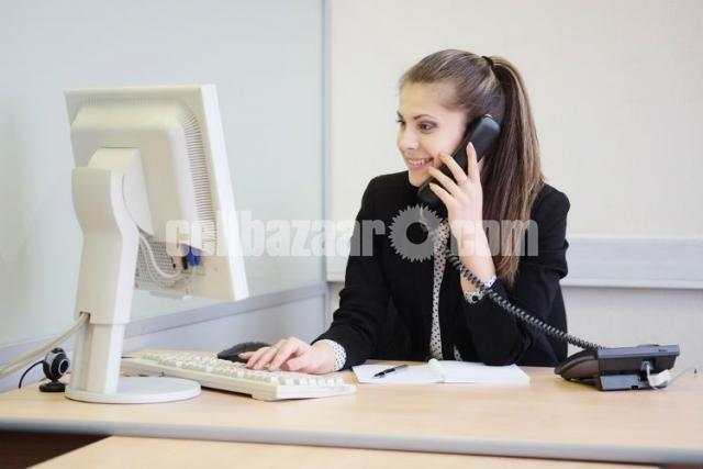 Customer Service Associate - 1/1