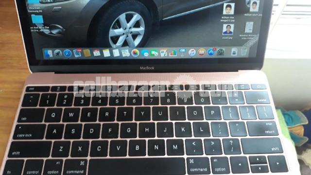 Apple Macbook Sale!!!! - 4/5