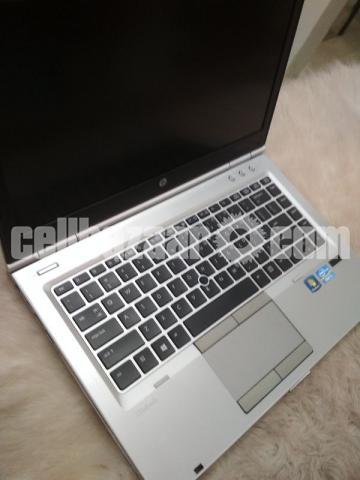 HP EliteBook 8470p - 1/4
