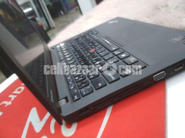 Lenovo ThinkPad X240 - 2/4