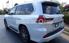 2019 / LX570 With kit / GCC only 16,934KM - Image 3/3