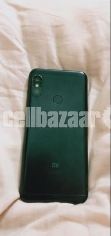 Xiaomi mi A2 Lite - 2/3