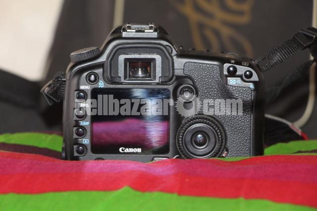 Canon 30D Body - 1/5
