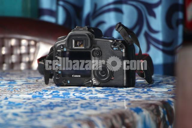 Canon 30D Body - 2/5
