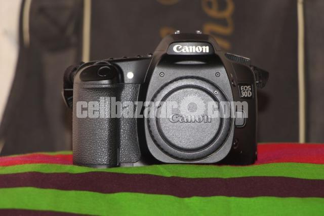 Canon 30D Body - 3/5