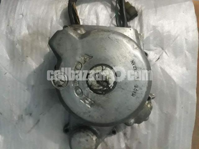 Motorcycle spare parts for Honda benly 125cc. - 3/5