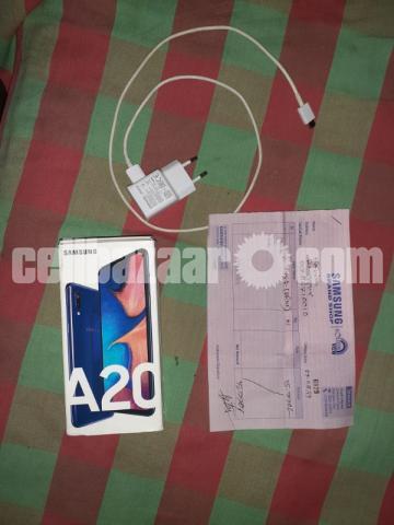 Samsung A20 - 2/5