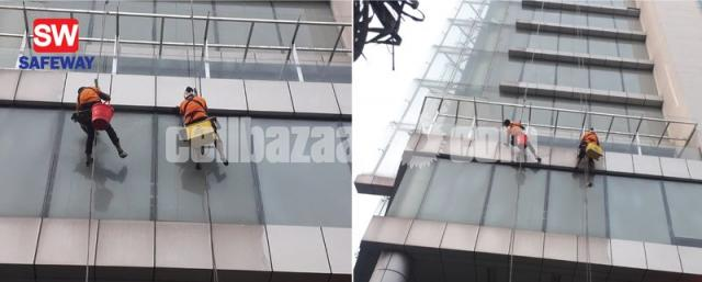 High Building Glass Cleaning - 1/2