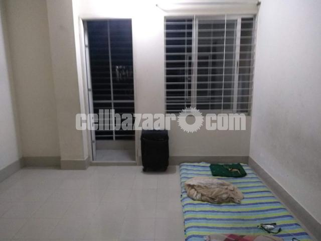 To-Let for Single Room - 1/2