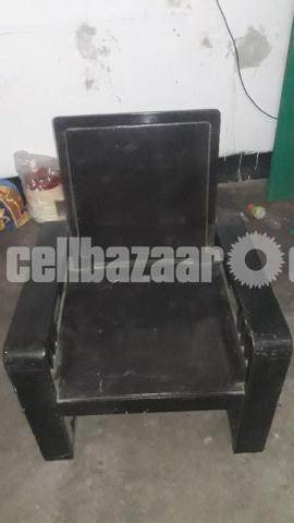 1 sofa set sell urgent - 3/4