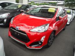 TOYOTA AQUA  G RED SOFT LEATHER SELECTION