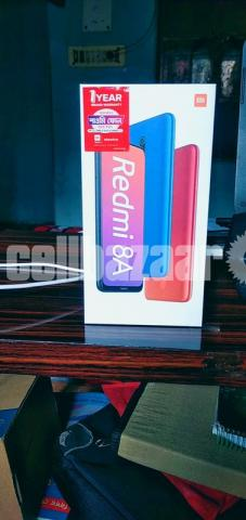 Xaiomi 8A(Dual 4G) blue(Like new) - 1/3