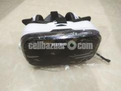 VR box with headphone - Image 2/4