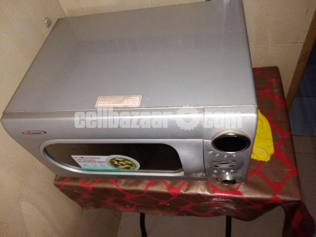Daewoo 34 Ltr MicroOven New Condition - 3/5