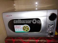 Daewoo 34 Ltr MicroOven New Condition - Image 4/5