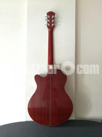 Full-fresh signature Guitar, looking new - 3/7