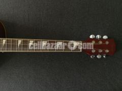 Full-fresh signature Guitar, looking new - Image 5/7