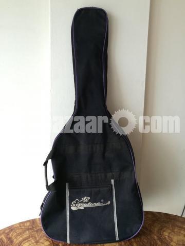 Full-fresh signature Guitar, looking new - 7/7