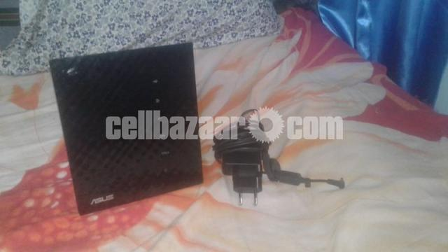 Duel Band ASUS RTN56U Router - 1/3