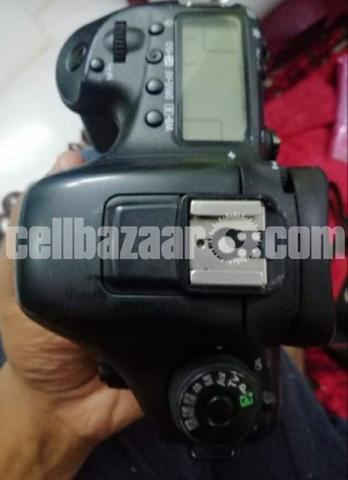 Canon 7D Mark-II - 3/5