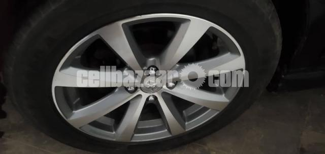 Toyota Axio - 4/6