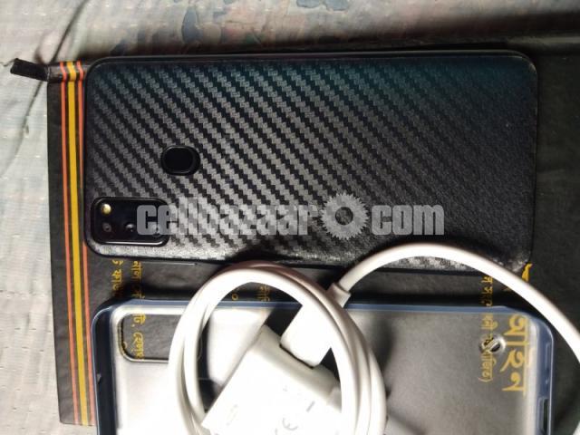 Samsung Galaxy M30s  (6/128gb) - 3/7