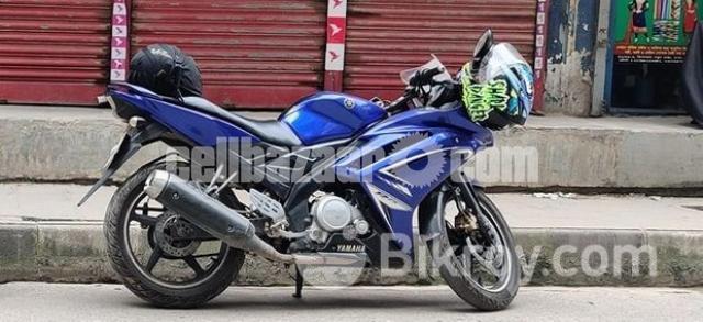 Yamaha R15 V1 2012 model - 1/2