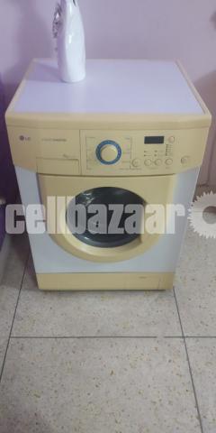 LG Washing Machine - 1/3