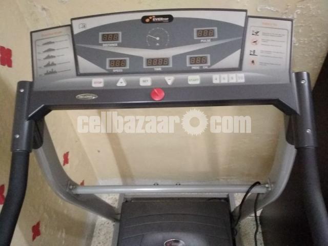 Electronic Treadmill (Evertop Fitness) - 1/5