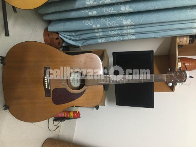 Acoustic Guitar - 1/1
