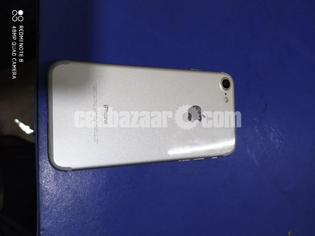 Apple Iphone 7 Silver Edition - 3/5