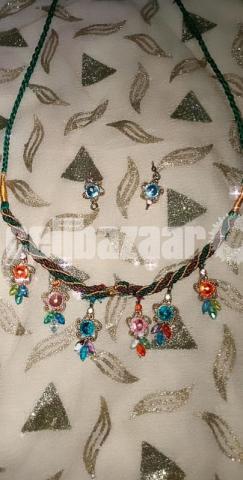 Gorgeous necklace set - 4/5