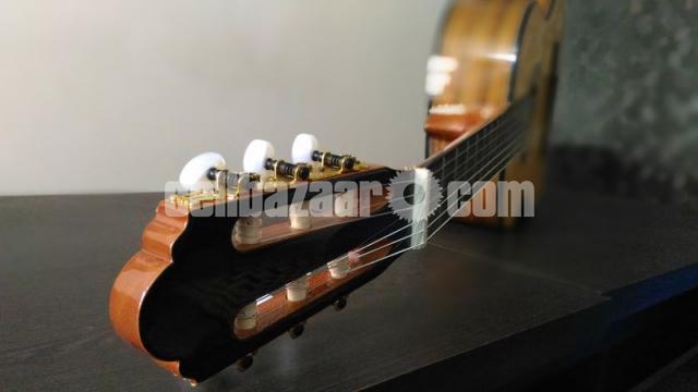 Jack & Danny Classical Guitar - 2/8