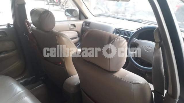 Toyota SE Saloon - 4/9