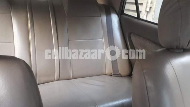 Toyota SE Saloon - 6/9