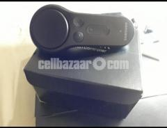 Samsung Gear VR with controller Powered by OCULUS