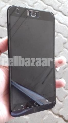 Asus Zenfone Selfie ZD551KL - 1/6