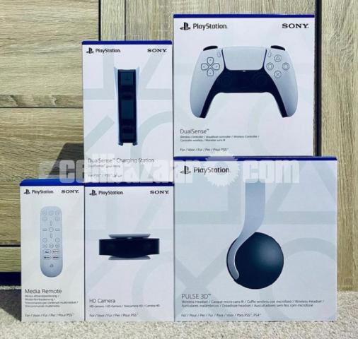 Brand new play station 5 - 2/4