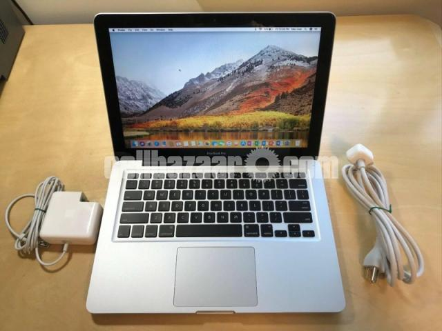 Apple MacBook Pro - 3/5