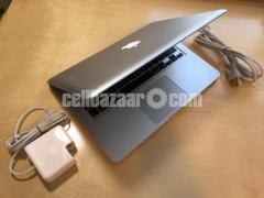 Apple MacBook Pro - Image 4/5