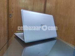 Asus VivoBook 15 Core i3 8th Gen 15.6