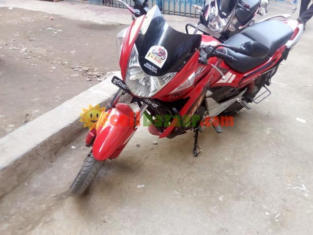 Hero Honda CBZ XTREME - 2/5