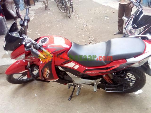Hero Honda CBZ XTREME - 3/5