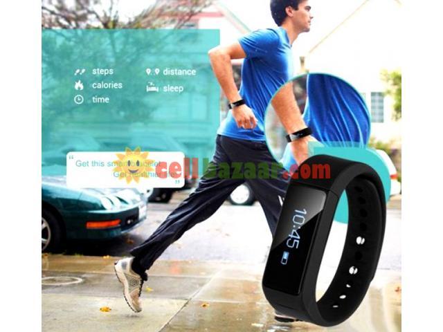 I5 plus Waterproof Sports Tracking Smart Bracelet - 2/5