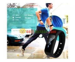 I5 plus Waterproof Sports Tracking Smart Bracelet - Image 2/5
