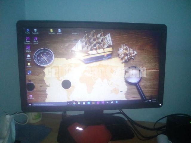 Desktop Computer - 4/4