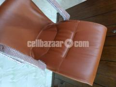 HATIL's cozy comfortable fixed chair