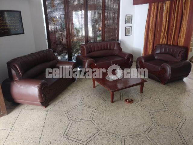 5 Seater sofa - 1/4